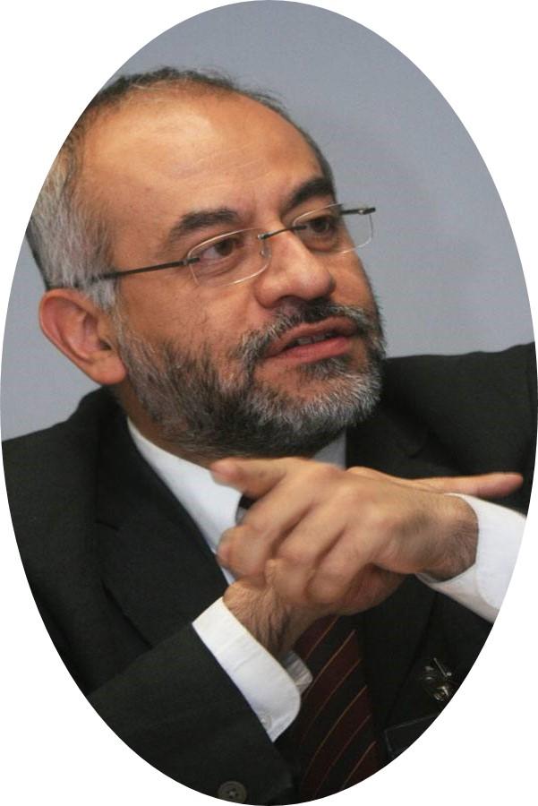 Víctor Alarcón Olguín